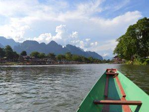 3 Wochen Laos - Bootstour auf dem Nam Song Fluss in Vang Vieng