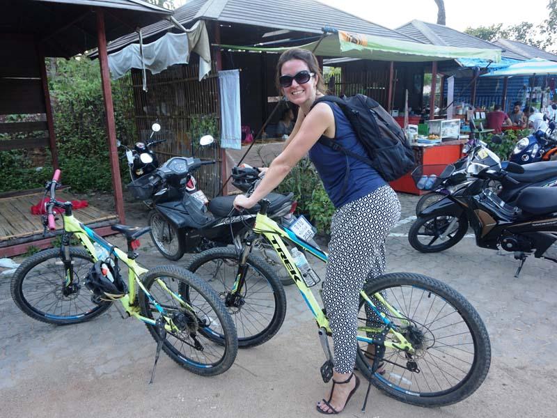 Reisespezialistin Mara auf Ihrer Fahrradtour durch Vientiane