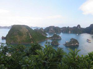 Blick über die Halong Bucht