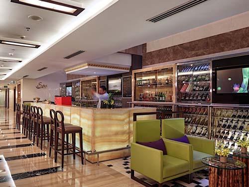 Bar im Hotel in Hanoi