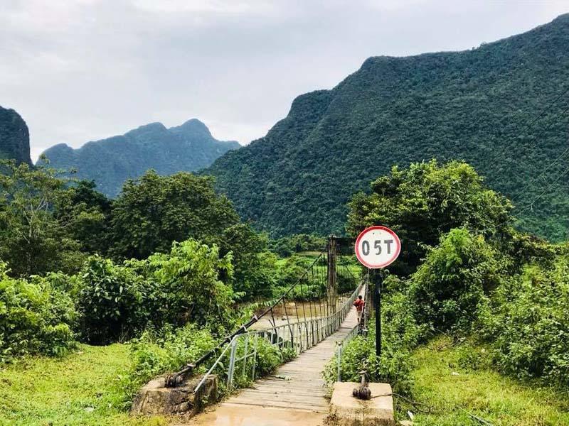 Malerische Landschaft um Vang Vieng