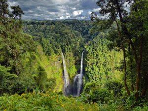 Wasserfall auf dem Bolaven Plateau in Südlaos