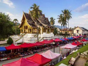 Königspalast und Nachtmarkt in Luang Prabang
