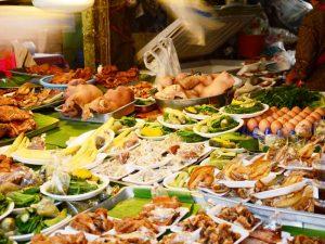 Garküche auf dem Nachtmarkt in Chiang Mai