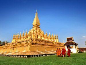 Tempel und Mönche in Vientiane