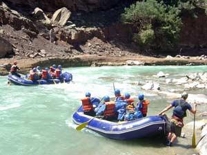 Rafting-Boote auf dem Trisuli