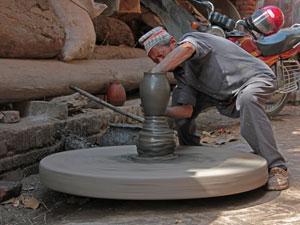 Handwerker bei der Arbeit in Bhaktapur