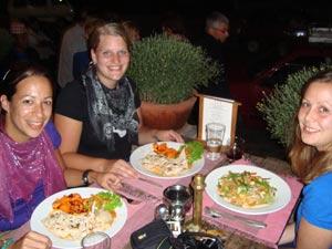 3 Wochen Nepal: Geselliges Abendessen in Kathmandu