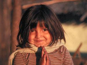 3 Wochen Nepal: Kleines Nepali-Mädchen in Bandipur