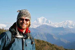 2 Wochen Nepal: Reisender beim Trekking im Annapurna