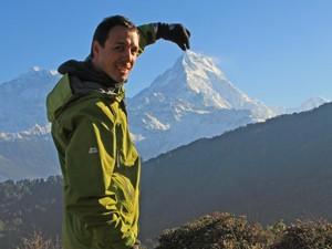 Nepal Gruppenreise: Die schneebedeckten Gipfel sind während Ihrer Trekkingtour zum Greifen nah.
