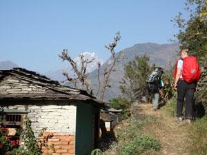 Wanderroute durch kleine Dörfer zum Mohare Hill