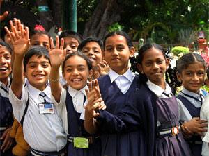 Bangalore verblijf kinderen zwaaien