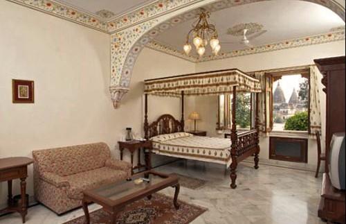 india hotel orchha room