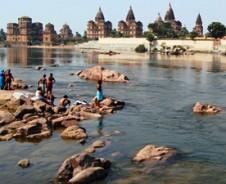 Over land van Taj naar Varanasi