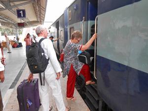 india trein agra