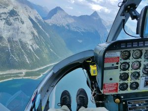 canada helikopter rocky mountains
