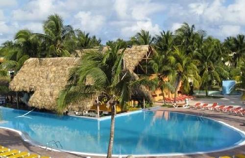 Zwembad hotel Santa Lucia