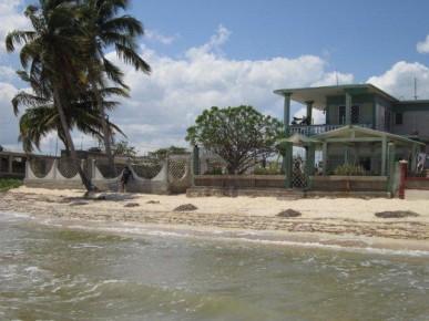 Strand bij casa Playa Larga
