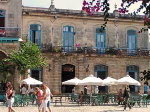 Plaza de catedral - Havana