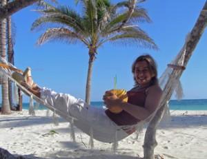 Op het strand in hangmat