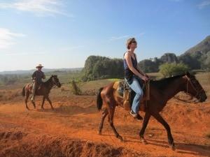 cuba-vinales-paardrijden-myrthe