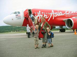 air asia maleisie vliegtuig gezin