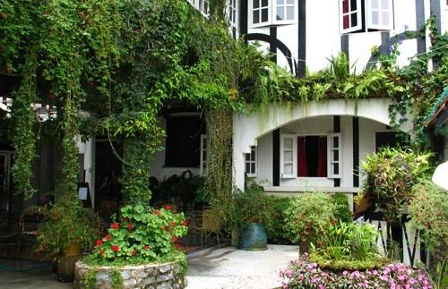 knus koloniaal hotel aanzicht maleisie