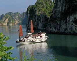 Bai Tu Long Bay