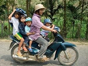 Praktisch Vietnam - Brommer