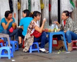 eten op straat HCMC vietnam
