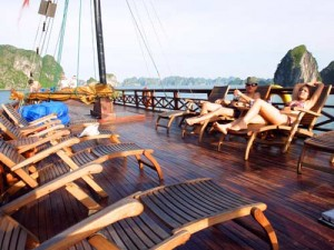 Halong Bay Vietnam - Dek boot