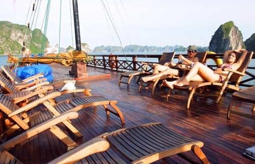 Halong Bay Vietnam - dek