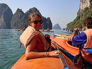 Vietnam Halong Bay - Kayak