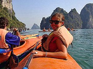 vietnam halong bay kayak