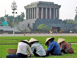 vietnam hanoi mausoleum