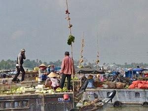 Vietnam reisverslag - Drijvende markt
