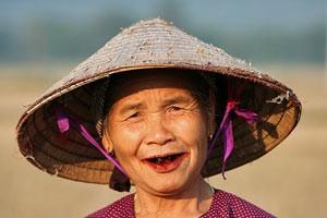 vrouw in mai chau vietnam