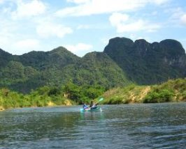 Paddelen Dong Hoi - Ziplinen - National Park Phong Nha