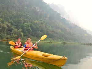Kano op Ba Be lake