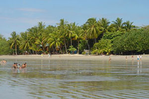 Luieren in Samara met Costa RicaKids