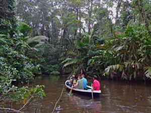 gezondheid Costa Rica - boottocht regenwoud