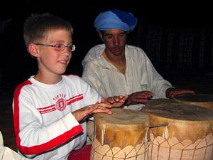 Marokko met kids trommelen