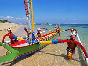 Familiereis - boot Sanur Bali met kinderen