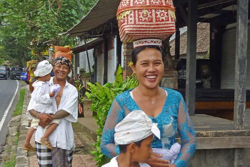 Vakantie Bali met kinderen - ceremonie