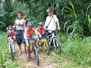 fietsen-yogyakarta-met-kinderen