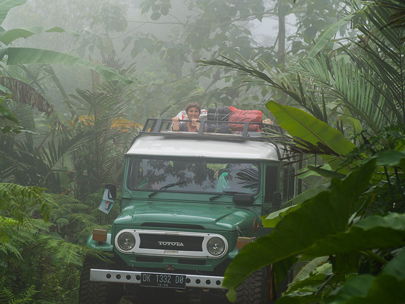 Kamperen in de jungle van Indonesie