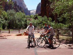 AmerikaKids Yellowstone rondreis - fietsen door Zion NP