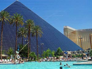 piramide hotel amerika