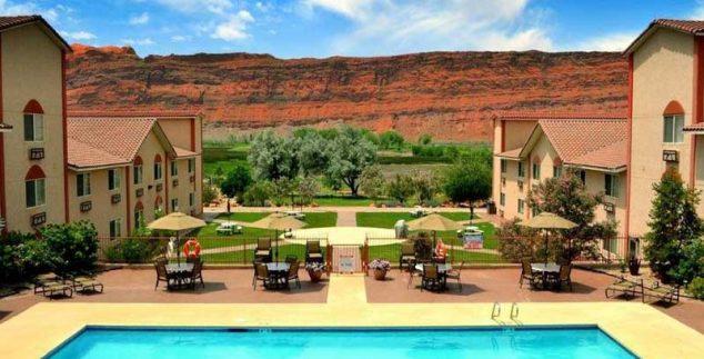 Amerika kids - zwembad hotel Moab